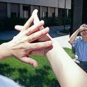 Anillos que traducen el lenguaje de signos